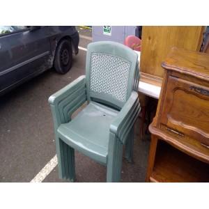 lot-fauteuils-pvc-vert